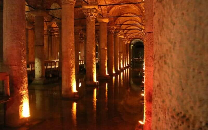 Versunkener Palast Istanbul