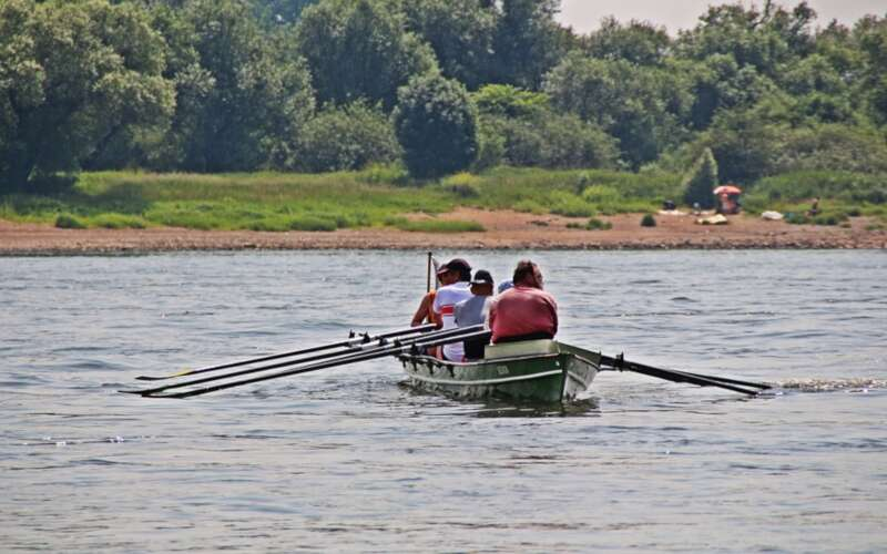 Kanu auf Fluss