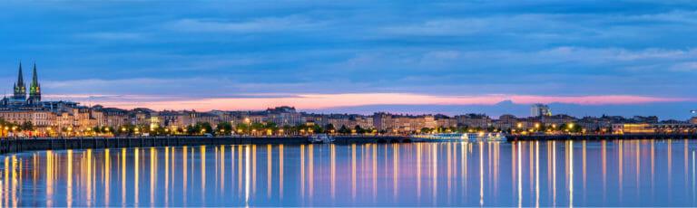 Klassenfahrt Bordeaux bei Abenddämmerung