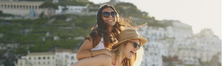 Klassenfahrt Côte d'Azur begeisterte Schülerinnen