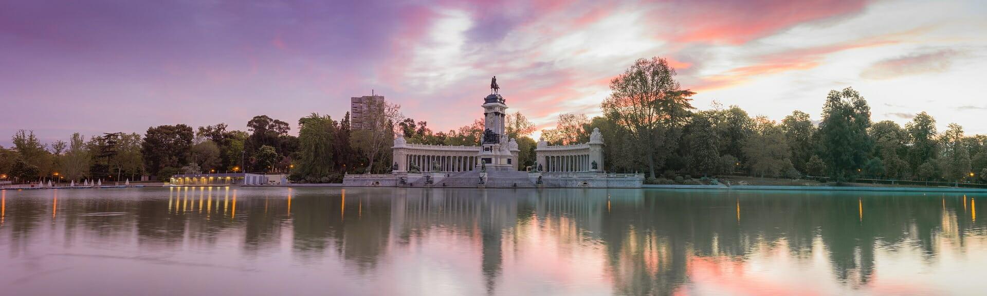 Klassenfahrt Madrid Dämmerung am See