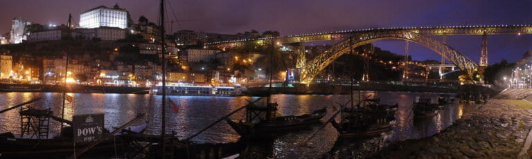 Klassenfahrt Porto Brücke bei Nacht