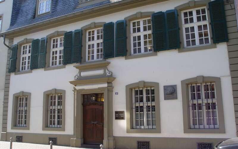 Klassenfahrt Trier Karl-Marx Museum Fassade